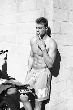 5 Signs Matthew Noszka is a Badass - Fashionably Male Really Hot Guys, Cute Guys, Portrait Photography Men, Young Cute Boys, Cute White Boys, Man Smoking, Hommes Sexy, Athletic Men, Shirtless Men