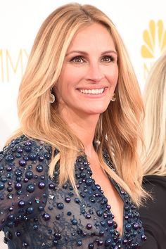Julia Roberts - Love the loose waves and sun-kissed colour gives the perfect summer glow look...