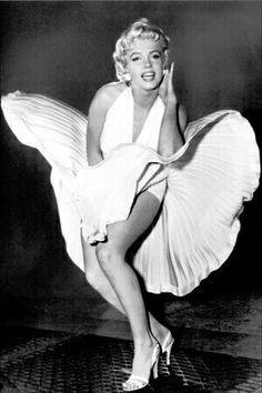Marilyn Monroe dans film robe blanche col américain en mousseline