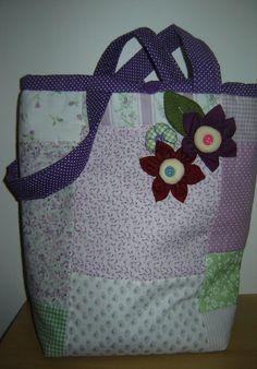 PATCHWORK - bolsa lilás para minha cunha Sabrina