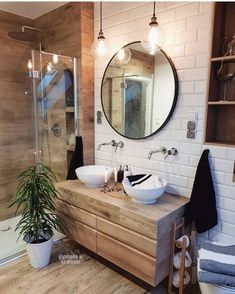 30 Quick and Easy Bathroom Decorating Ideas Bathroom Inspo, Bathroom Inspiration, Interior Design Inspiration, Master Bathroom, Home Decoracion, Inspire Me Home Decor, Bad Inspiration, Toilet Design, Beautiful Bathrooms