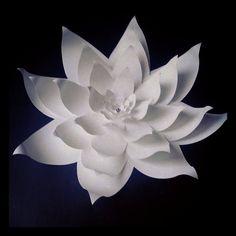 Flores de papel grandes bodas 18 pulgadas en el color de su