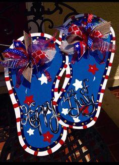 Happy of July Flip Flops Door Hanger USA door hanger Fourth Of July Cakes, 4th Of July Wreath, July 4th, Personalized Flip Flops, Happy 4 Of July, Painted Doors, Diy Door, Vinyl Lettering, Beaded Flowers