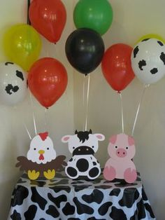 Barn Animals Birthday Party Table Decorations - Balloon Holders - Farm Animals You will receive 3 fa Farm Animal Party, Farm Animal Birthday, Barnyard Party, Farm Birthday, Farm Party, Cow Birthday Parties, Birthday Party Table Decorations, Baby Shower Table Centerpieces, Decoration Table