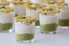 shot of green asparagus cream with bacon and cauliflower puree Appetizers For Party, Appetizer Recipes, Gourmet Appetizers, Aperitivos Finger Food, Small Meals, Mini Foods, Food Humor, Quiches, Brunch