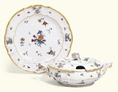 A MEISSEN PLATE, A TUREEN AND A COVER, AND A FURTHER PLATE, CIRCA 1735-1740
