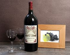 Pourquoi se contenter d'offrir une simple bouteille de vin quand on peut offrir un magnum ! Ce vin fera un cadeau vraiment original et surprenant. Pour parfaire le tout personnalisez l'étiquette avec un nom. A la fois simple et original, vous serez sûr de faire plaisir