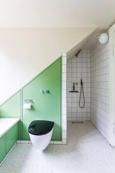 48 Modern Bathroom Interior That Look Fantastic bathroom atticbathroom salledebainssouspente badezimmer Modern Bathrooms Interior, Contemporary Bathrooms, Bathroom Interior Design, Luxury Bathrooms, Contemporary Interior, Interior Design Boards, Modern Interior Design, Terrazzo, Ideas Baños