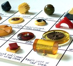 VINTAGE BAKELITE BUTTON COLLECTION