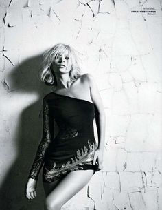 Unconventional Rock Style Editorials: Kate Moss in Vogue China