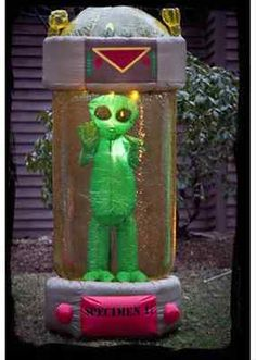 1000 images about halloween 2 on pinterest halloween for Alien decoration