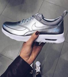 Sneakers women - Nike Air Max Thea silver (©anniisophie)