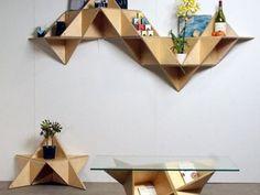 Set de mesa, buró y librero con figuras geométricas en 3D para que toda tu casa combine a la perfección.