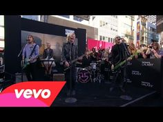 R5 - Smile (2014 American Music Awards)