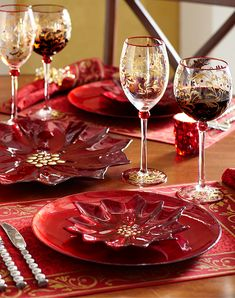 Christmas Poinsettia Salad Plates on Scarlett Dinner Plates. Christmas Dinner Plates, Christmas Dinnerware, Christmas China, Christmas Poinsettia, Christmas Table Settings, Christmas Tablescapes, Christmas Table Decorations, Holiday Tables, Christmas Love