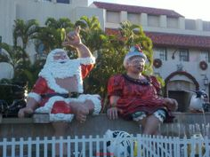 Shaka and Mrs. Clause just sitting and 'chillin on Christmas morning. Honolulu Hale (City Hall)