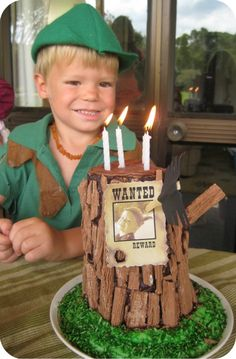 Robin Hood cake! My kids are gonna have awesome themed parties like these. :)