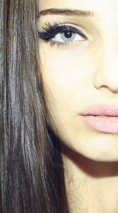 cat eyes + pale pink lips