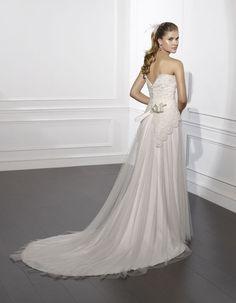 #ROANO | Wedding Dress - Boheme | VILLAIS by Sara Villaverde (back)