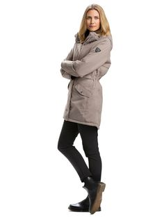 Dámska bunda Nunik Parkas s technológiou SunSystem vás dokonale zahreje v treskúcej zime. Nájdete ju v našej ponuke tu: http://bit.ly/1Ojukk3.