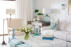 Amanda Webster Design: Coastal Living Room Interior Design / Photo by Jessie Preza