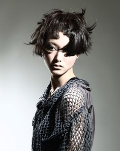 Japan Hairdressing Awards. Chugoku-Shikoku area Prize. Nakahara Makoto (by Corte) [woman in gray mesh]