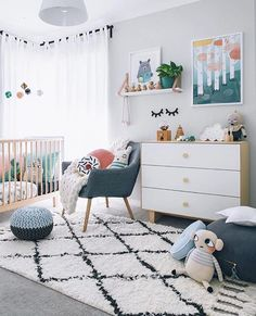 Kamer Mona Green Kid's Rooms - Petit & Small Here are 33 adorable nursery ideas for you! Super cute baby boy nursery room ideas - I LOVE a rustic nursery - for boys OR for girls! Baby Bedroom, Baby Room Decor, Kids Bedroom, Bedroom Ideas, Bedroom Decor, Bedroom Wall, Master Bedroom, Lego Bedroom, Nursery Decor Boy