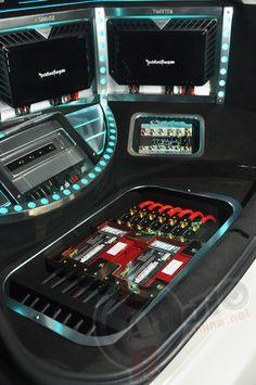UDC Sent white Prius with Fully RF System got EMMA Japan Champion distribution power