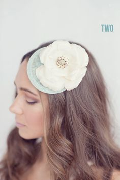 bridal hat with something blue (by le chic studio, photo by maria mack photography)
