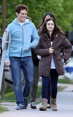 love rosie lily collins | Lily Collins and Sam Claflin | Celebrity-gossip.net