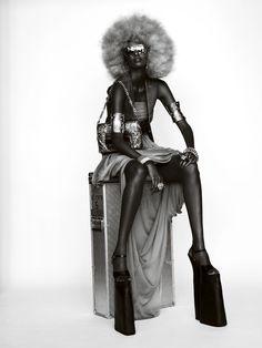 Yasmin Warsame by Mario Testino for Vogue Paris October 2008. #fashion #photography
