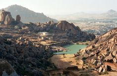 Just a day? Road trip to explore the Chitradurga Fort and be back by night fall.