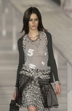 Chanel Spring 2004    this is horrible, and yet there's something i really like about it. not that that makes sense.