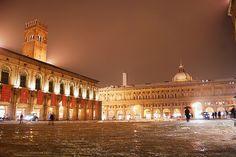 Bologna, Italia- Piazza Maggiore :)