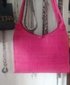c4f3469ef6e71638699e981f1cfb3e42 Bags, Fashion, Style, Handbags, Moda, Fashion Styles, Fashion Illustrations, Bag, Totes