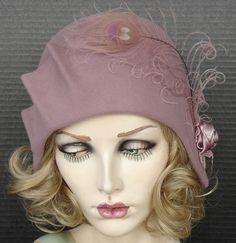 1930's Style Cloche In Rosy Mauve.