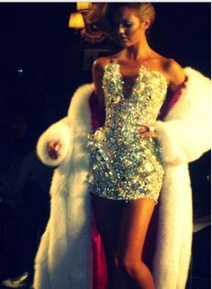 NYE!! Too much? NEVER!! Sparkling dress