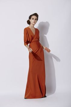 Long dress made of silk, with a V-neck and doman sleeves. It is crossed on the front and tied at the back. A classic Cortana design. Ready-to-wear with an artisanal touch, crafted in Barcelona. Silk Dress, Dress Up, Dress Long, Cocktail Outfit, Evening Dresses, Formal Dresses, Pretty Dresses, Dress Making, Beautiful Outfits
