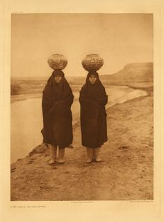 Zuni women. 1903 #native #americans