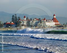 boy would i like to spend a night or two at the Hotel Del Coronada in San Diego, California
