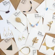 Minimal jewelry Packaging Jewelry Tags, Jewelry Crafts, Handmade Jewelry, Handmade Art, Jewelry Packaging, Jewelry Branding, Bijou Box, Packing Jewelry, Earring Cards