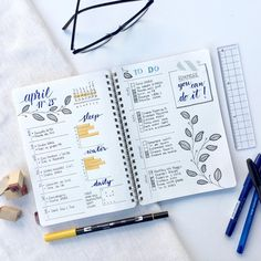 Un stylo dans une main, une règle dans l'autre, on s'inspire de ces modèles pour organiser l'agenda que tout le monde va nous envier. Bullet Journal 2019, Bullet Journal Inspo, Bullet Journal Spread, Bullet Journal Layout, My Journal, Bullet Journals, Journal Paper, Kalender Design, Planners