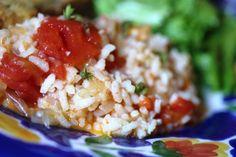 Arroz de Tomate com Lima (4 pessoas), gosto muito de arroz mas não gosto que tenha sempre o mesmo sabor! http://grafe-e-faca.com/pt/receitas/massas-arrozes-pizzas/arroz/arroz-de-tomate-com-lima-4-pessoas/