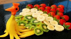 ItalyPaul - Art In Fruit & Vegetable Carving Lessons: Art In Banana Peacock | Banana Art | Fruit Carving...