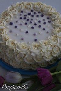 Vegaaniset mokkapalat (maidoton ja munaton) - Vaniljapullan keittiössä - Vuodatus.net - Birthday Cake, Desserts, Food, Tailgate Desserts, Deserts, Birthday Cakes, Essen, Postres, Meals