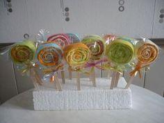 Des sucettes réalisées avec des serviettes en papier de couleur Brunch Party, Origami, Blog, Baby Shower, Table Decorations, Cool Stuff, Occasion, Images, Party