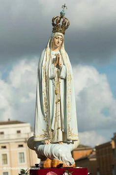 Consagrados a María Santìsima. Ruega por nosotros.