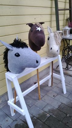 Stick horse stable / kepparitalli More. Diy For Kids, Crafts For Kids, Stick Horses, Horse Party, Horse Pattern, Fabric Animals, Hobby Horse, Farm Party, Horse Stables