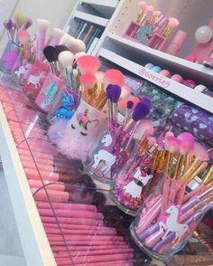 38 Trendy Makeup Brushes Holder Diy Craft Ideas Make Up Makeup Storage, Makeup Organization, Unicorn Bedroom, Unicorn Makeup, Unicorn Brush, Makeup Brush Holders, Glam Room, Makeup Rooms, Makeup Hacks