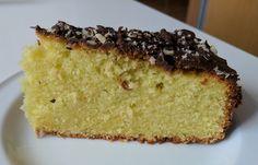 Pistacie Kage   Ingredienser:    200 g Smør  200 g Sukker  200 g Hvedemel  200 g Pistacie-masse  4 Æg  1 tsk bagepulver  1 Appelsin   ...